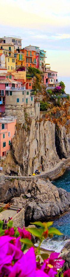 Village of Manarola Cinque Terre Coast Italy | LOLO❤︎
