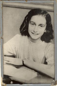Anne Frank - I still cannot believe the Holocaust actually happened and 70 plus years was really not that long ago. I admire all survivors, but especially her story. James Dean, Anne Frank Quotes, Believe, Harriet Tubman, Harlem Renaissance, Rosa Parks, Wedding Art, Women In History, Daughters