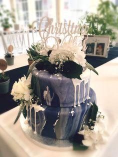 Blue Marble Wedding Cake • Cake Topper • Fresh Flowers Fresh Flowers, Cake Toppers, Wedding Cakes, Marble, Design, Blue, Creative Cakes, Wedding Gown Cakes, Wedding Pie Table