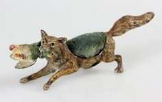 ANTIQUE1880 COLD PAINTED VIENNA BRONZE FOX HUNTING DUCK HAT PIN CUSHION