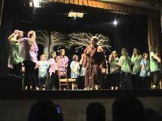 """22.6.2011 """"Robin Hood, il musical - in chiave comica -"""" progetto-teatro della scuola media annessa """"Stagio Stagi"""" messo in scena al teatro Sant'Antonio a Marina di Pietrasanta."""