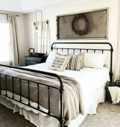 Inspiring modern farmhouse bedroom decor ideas (20)