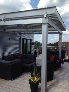 Magnifique SunLouvre Pergolas sur toit-terrasse #pergola #pergolas #aluminium #aluminum #patio #design #outdoorliving #outdoor #modern #luxury
