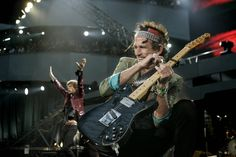 Fans have been speculating for weeks but now it is confirmed. The Rolling Stones will perform at the Pinkpop Festival in the Limburg country-side, on Saturday, June 7th, 2014. In past the band has performed several times in Amsterdam. Here Keith Richards en Mick Jagger at the last concert in the Arena in Amsterdam in 2006. ©ANP. #therollingstones #amsterdam