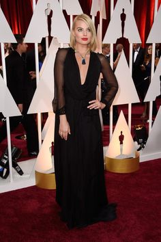 Margot Robbie Photos - Actress Margot Robbie attends the 87th Annual Academy Awards at Hollywood & Highland Center on February 22, 2015 in Hollywood, California. - Arrivals at the 87th Annual Academy Awards — Part 3