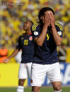 La Selección Ecuador derrotó a Colombia en las Eliminatorias Mundialista  La selección ecuatoriana de fútbol derrotó 1-0 a una difÍcil Colombia, con gol de Christian Benítez, llegó al cuarto puesto en la tabla de posiciones con nueve unidades y volvió a la zona de clasificación, jugada la sexta jornada de las eliminatorias sudamericanas del Mundial Brasil 2014. Los colombianos cayeron a la sexta posición con siete puntos.    Por: El País.com.coDomingo, Junio 10, 2012