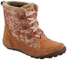 Reward yourself after a long day on the slopes with this jaunty shorter version of our classic Minx boot. Synthetic textile and suede upper is waterproof and packed with 200g's of insulation. Faux-fur at collar and tongue, and thermal reflective lining throughout keep feet toasty warm, while advanced traction rubber outsole ensures stability if things get dicey.