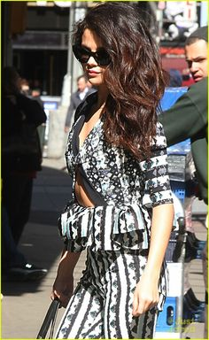 selena gomez good morning america stop 01, Selena Gomez shows some tummy as she heads into the Good Morning America studios for an appearance on Thursday (April 25) in New York City.    That same day, it…