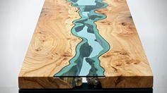 Prachtige houten tafel speelt met de natuur