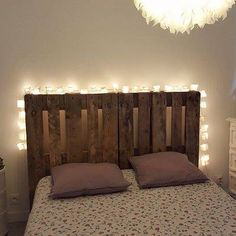 Headboard in pallets. Headboards For Beds, College Apartment Decor, Room Decor, Bedroom Makeover, Bedroom Decor, Headboard, Bedroom Inspirations, New Room, Small Apartments