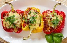 Du ernährst dich Low Carb und suchst nach einem einfachen Low Carb Rezept für gefüllte Paprika? Hier findest du ein tolles Rezept, das sich super als kohlenhydratarmes Mittagessen oder Abendessen eignet.