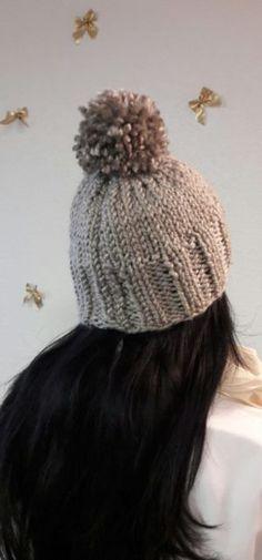 1f7ab4c4839f Bonnet au tricot – ABC Facile a Faire BONNET GROSSE LAINE Avec le froid qui  s