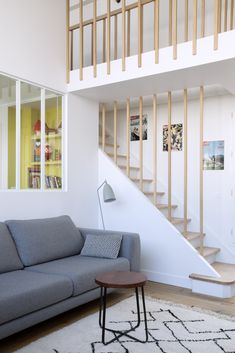 Tiny House Stairs, Escalier Design, Penthouse Apartment, Warm Colors, Home Improvement, Interior Decorating, New Homes, Living Room, Inspiration