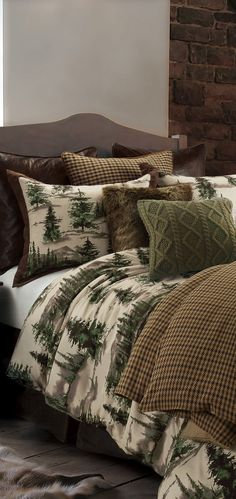 Forest Pine Earthtone Bedding: This gorgeous rustic Forest Pine earthtone bedding collection has sumptuous shades of velvety greens and browns. Rustic Bedding Sets, Western Bedding Sets, Luxury Bedding Collections, Home Collections, Mountain Decor, Luxury Cabin, Fashion Room, Pine Cone, Cabin Beds