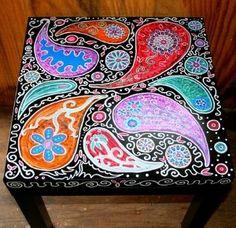 Paisley Design Table