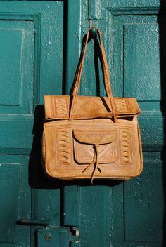 Vintage bag, vintage leather bag, leather bag vintage, ethnic leather bag, leather shopper,boho leather bag, leather handbag, Maroc, Africa