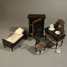 Antique Silber & Fleming Box-Back Dolls House, fully furnished