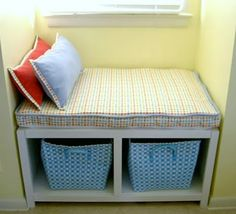 DIY-Windowseat bench with storage for kids room Tutorial