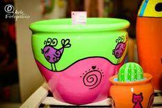 Flower Pot Art, Flower Pot Design, Painted Clay Pots, Painted Flower Pots, Ceramic Pots, Terracotta Pots, House Plants Decor, Plant Decor, Paint Garden Pots
