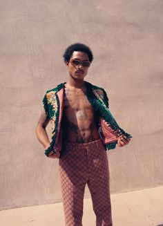 With just an iPhone and a guitar, Steve Lacy declared himself the sound of a generation. With his debut album, he proved he's the sound of a fluid future Gorgeous Black Men, Beautiful Men, Beautiful People, Look Fashion, Mens Fashion, Fashion Design, Fashion Black, Winter Fashion, Steve Lacy