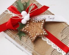 scrappassion: Christmas :: i love the look of sewing on paper...this woman has a ton of inspiring ideas, go check out her site!  (translation necessary, or not) : D