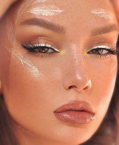 Eyeliner Make-up, White Eyeliner Makeup, Dramatic Eye Makeup, White Makeup, Makeup Eye Looks, Pretty Makeup, Skin Makeup, Awesome Makeup, Eyeliner Ideas