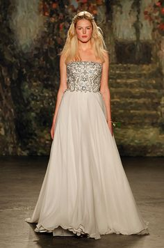 Best of Bridal Market: Jenny Packham Wedding Dress Collection Jenny Packham Wedding Dresses, Jenny Packham Bridal, 2016 Wedding Dresses, Wedding Dress Trends, Designer Wedding Dresses, Wedding Gowns, Wedding Bells, Dresses 2016, Wedding Ideas