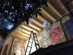 TEJADO DE VIGAS LAMINADAS DEL LAVABO Stairs, Projects, Home Decor, Beams, Facades, Passive House, Radiators, Bathroom Sinks, Staircases