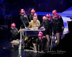 Mit wunderschöner Klasse Performance als Herodes in #JesusChristSuperstar: @nicolastenerani #bestherodeverseen So classy in a difficult song walking the line between drama psychological terror and comic.  In Anlehnung an meiner Herzdame @schlosina 's Darstellerkritik auf http://j.mp/2GuY8xx  #incredibleshow #thankyou #buddypeter #jcs #Musical #vienna #wien #jesuschristsuperstar #jcs #eventphotography #photography #photooftheday #blogger #Munich #München #Augsburg #bayern #bavaria…