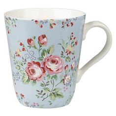 A big mug for huge cup of tea or coffee to set you up for the day. Plenty of room for hot chocolate and a big pile of marshmallows, too.