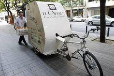 El triciclo gana terreno a las furgonetas de reparto - LasProvincias.es. Foto 1 de 9
