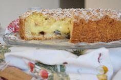 La sbriciolata crema a amarene è un dolce molto gustoso, ricco e delicato al tempo stesso, perfetto per ogni stagione dell'anno. Ecco la ricetta ed alcuni consigli