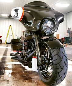 Pictures of Motorcycle Harley Davidson Street Glide - - Motos Harley Davidson Street Glide, Harley Davidson Fatboy, Harley Davidson Motorcycles, Custom Motorcycles, Custom Bikes, Custom Cycles, Davidson Bike, Triumph Motorcycles, Harley Street Glide