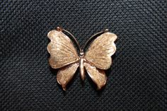 Vintage-14K-Yellow-Gold-Butterfly-Brooch-Pin-Textured-Surface-1-3-3g