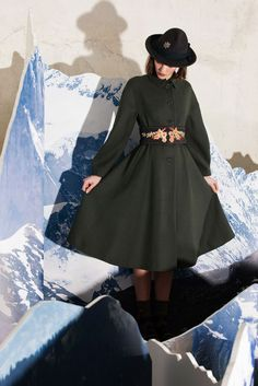 Fashion Show Look 33 http://www.lenafashion.it/capi/antonio-marras-cappotto-verde.html