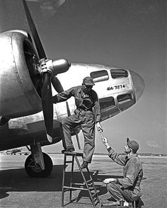 Aviation Mechanic, Southern Methodist University, Central University, Aircraft Maintenance, Military Aircraft, Vintage Travel, Wwii, Air Force, Engineering