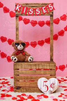 Valentine Picture, Valentines Day Photos, Valentines Day Background, Valentines Day Decor Rustic, Valentine Decorations, Puppy Valentines, Valentines Diy, Foto Montages, Diy Photo Studio