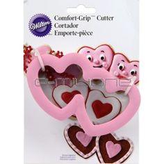 Pratico tagliapasta a forma di doppio cuore per realizzare dolci e biscotti