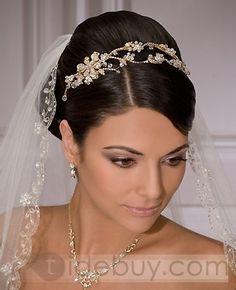 Fingertip Wedding Veils With Bead Applique Edge