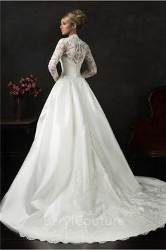 Vintage Ball Gown Long Sleeve Lace Satin Wedding Dress With Buttons