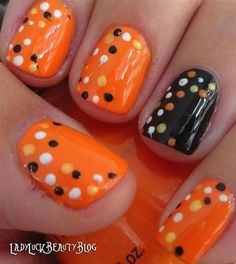 89 Awesome Halloween Nails Designs: http://www.nails.dopily.com/89-awesome-halloween-nails-designs/ image credit: www.myfashioncents.com