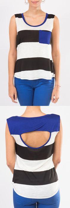 Mira esta maravillosa combinación de colores azul, blanco y negro en este estilo de blusa sin mangas KAMI.