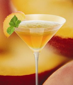 White Peach:  1 ½ parts Woodford Reserve bourbon , 1 part white cranberry juice , ½ part peach schnapps , Fill a cocktail shaker with ice. Add ingredients and shake well. Strain into a chilled martini glass. Garnish with a peach slice.
