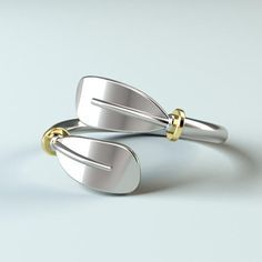 Kayak PaddleRing is a unique replica of the kayak oar bent by Strokeside jewelers to make a perfect ring. Available in 925 silver. This piece is covered by our