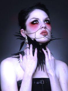 Танцуй ведьма, пока еще жива... - Красивая киевская модель Omnia