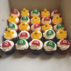 Super Mario Cupcakes Mario Birthday Cake, Super Mario Birthday, Super Mario Party, Birthday Cup, 6th Birthday Parties, Super Mario Cupcakes, Mario Cake, Mario Bros., Cupcake Party