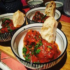 Boulettes de bœuf fourrées à la mozzarella & sauce tomate au miel