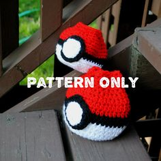 Pokeball Dice Bag Crochet Pattern by PatternsForPaws on Etsy