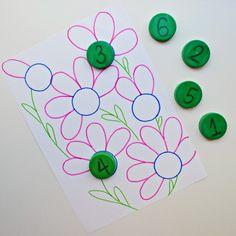 У нас снова простая игра с крышками Считаем лепестки и подбираем цифру  #матвейка_учится_считать #матвейке3г5м