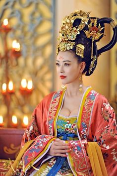 Fan Bing Bing wearing Tang Dynasty Hanfu costume in the popular 2015 Chinese period drama 'Empress of China' (a. Empress Wu Zhetian) Wu Zetian - China - 690 CE: An Empress of China and the founder. Traditional Fashion, Traditional Dresses, Traditional Chinese, Wu Zetian, The Empress Of China, Fan Bingbing, Chinese Clothing, Ancient China, Chinese Culture
